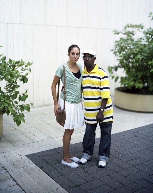 Touching Strangers (33 pics)
