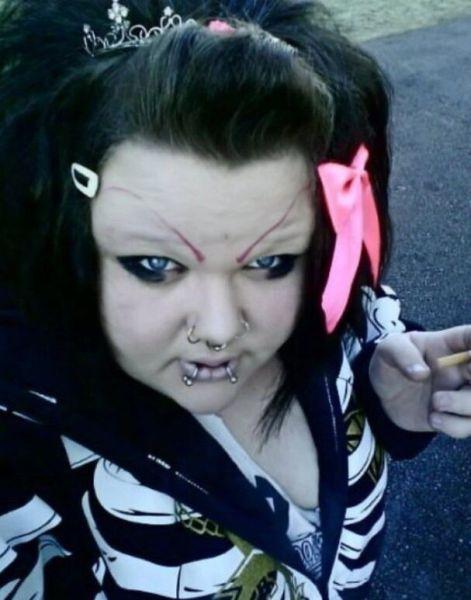 20 Hilarious Goth Fails (20 pics)