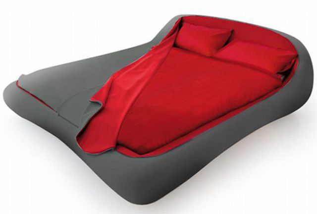 A Bed With Zippers (7 pics)